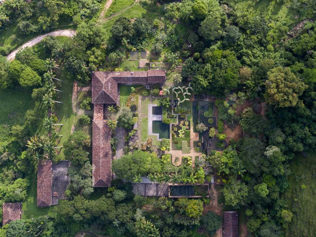 Álbum Jardim de Roberto Burle Marx - Fazenda Vargem Grande - Areias-SP